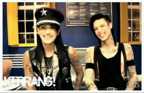 <3<3<3<3<3Ash & Andy<3<3<3<3<3