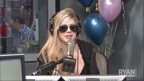 Avril in Ryan Seacrest