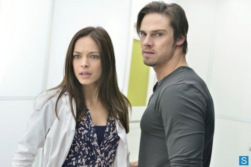 Beauty and the Beast - Episode 1.18 - corazón of Darkness - Promotional fotos