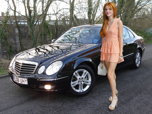 Bella Thorne and his new car