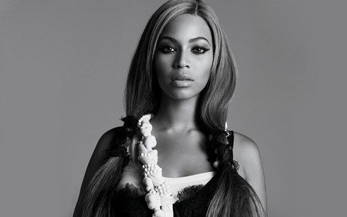 Beyonce wallpaper possibly with a portrait entitled Beyonce