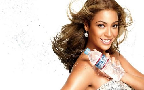 Beyoncé fond d'écran possibly with a portrait titled Beyoncé