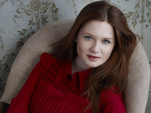 Bonnie Wright wallpaper