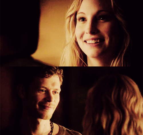 Caroline Forbes and Klaus Mikaelson in American gothic [4x18]