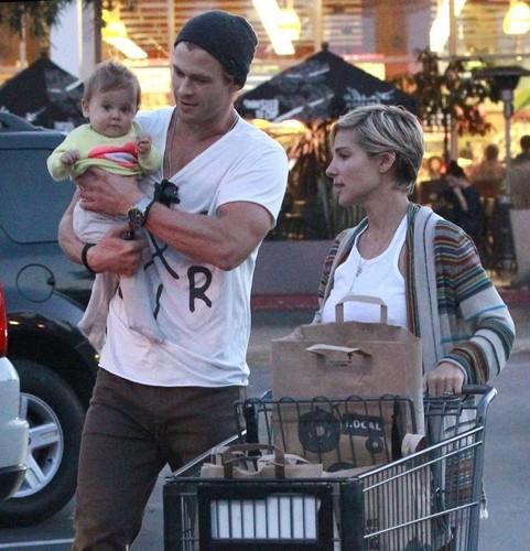 Chris Hemsworth & Family