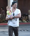 Chris Hemsworth &amp; Family  - chris-hemsworth photo