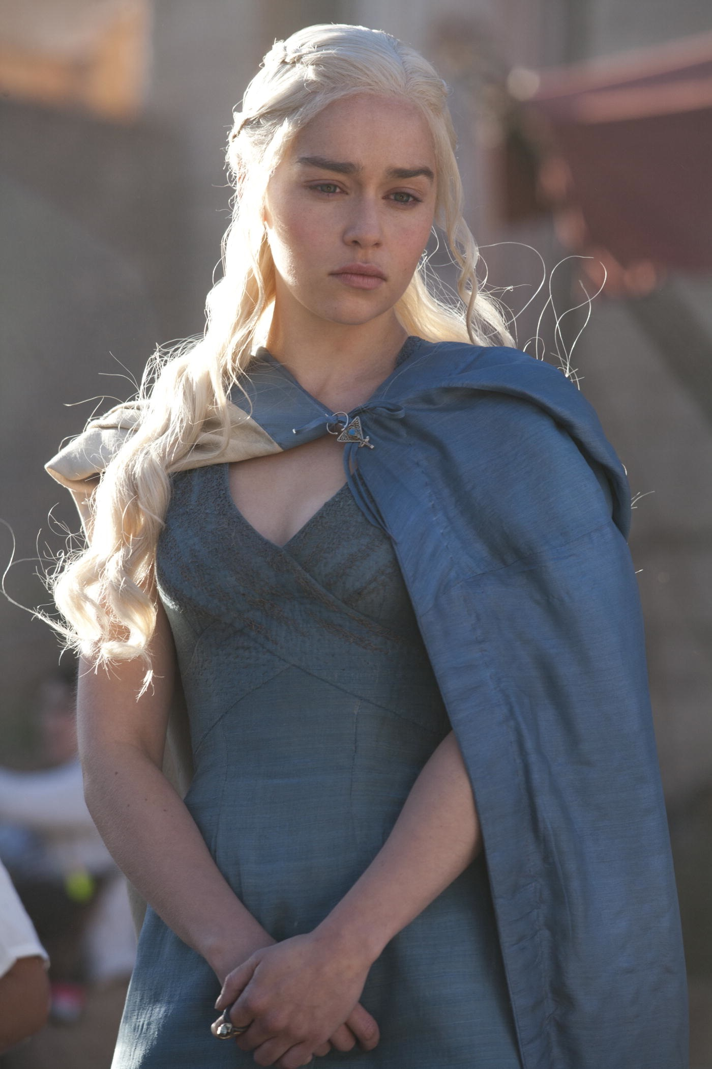 Daenerys Season 3 Blue Dress Help - Cosplay.com