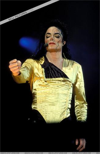 Dangerous Era (Dangerous World Tour)