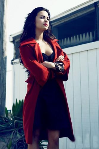 Demi Lovato -S-