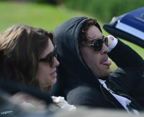 Ed Westwick wallpaper containing sunglasses titled ED WESTWICK DRIVING WITH A MYSTERIOUS GIRL