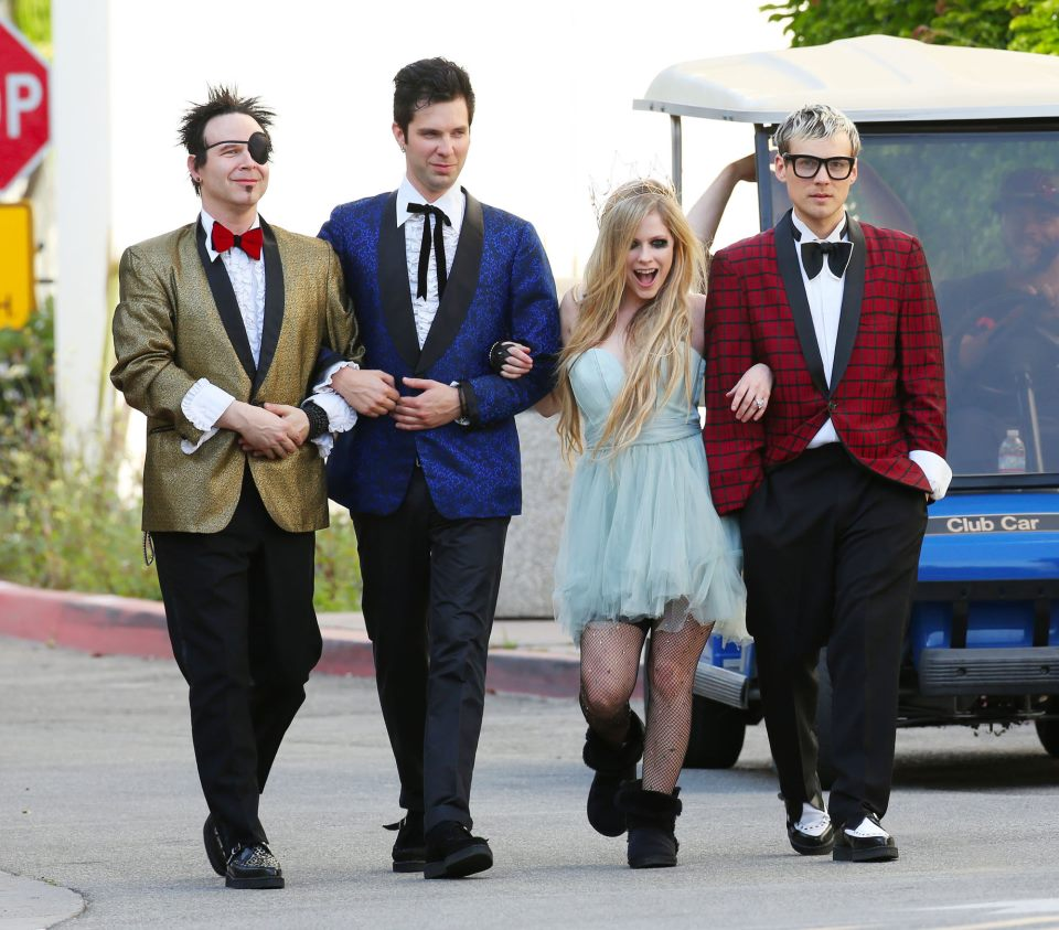 Avril lavigne here s to never growing up video shoot