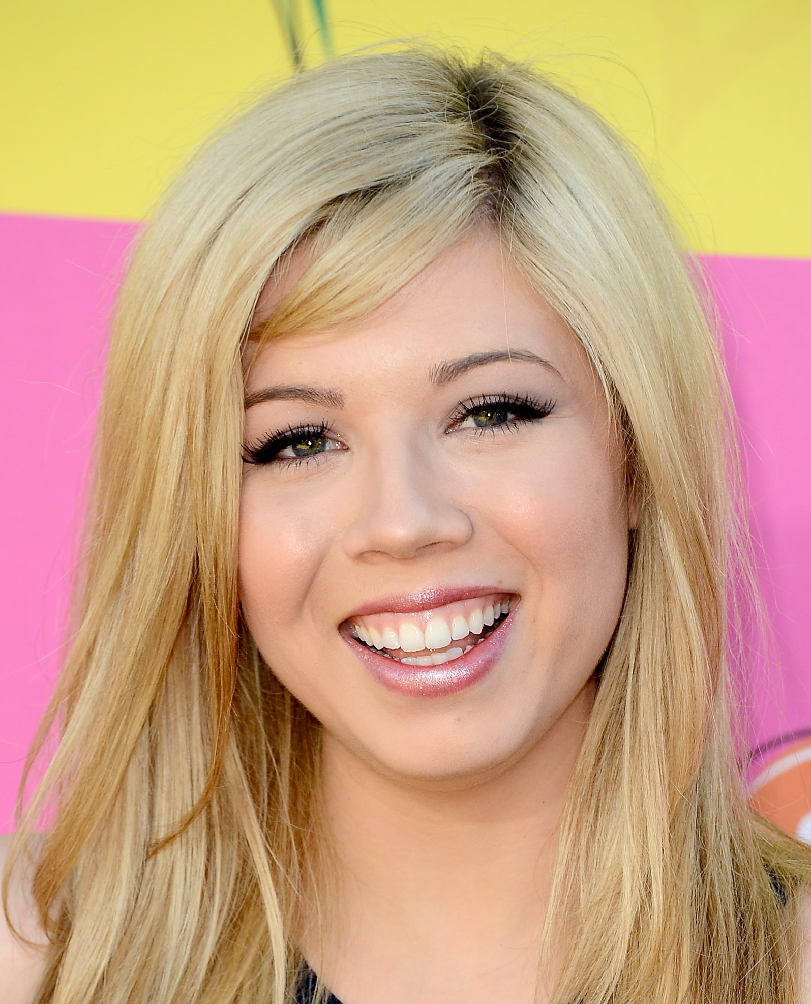 Jennette McCurdy 2013