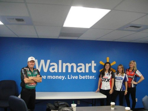 John Force & his 3 Daughters Ashley Force フード , Courtney Force , Brittany Force