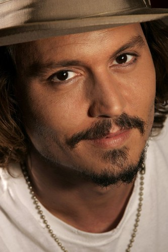 Johnny Depp wallpaper with a fedora and a boater entitled Johnny Depp