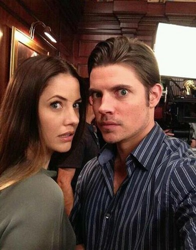 Josh Henderson wallpaper probably containing a portrait entitled Josh Henderson & Julie Gonzalo ಇ