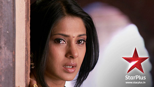 Saraswatichandra (série TV) fond d'écran containing a portrait titled Kumud