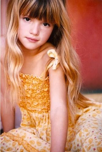 Lily Luna/Renesmee Cullen