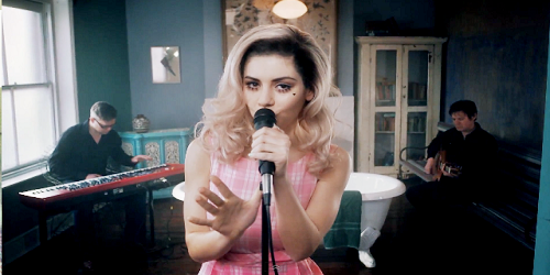 marina and the Diamonds -Welsh Singer