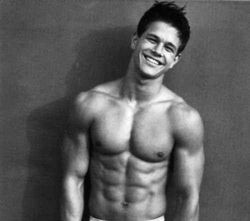 Mark Wahlberg Обои with a six pack and a ломоть entitled Marky Mark