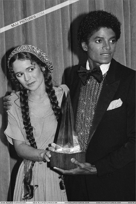 Michael And Nicolette Larson Backstage At The 1980 American 음악 Awards