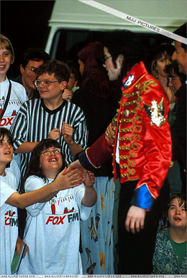 Michael Talking With The fans In Londres Back In 1997