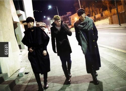 NU'EST 2nd MINI ALBUM - THE MOMENTS - INSIDE THE ALBUM