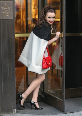 "Photoshoot outside ""Bergdorf Goodman"" store in NYC (4th April 2013)"