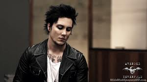 Synyster Gates So Far Away achtergrond