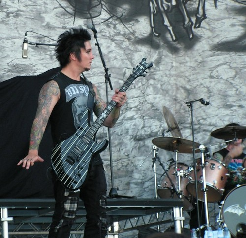 Synyster freakin' Gates