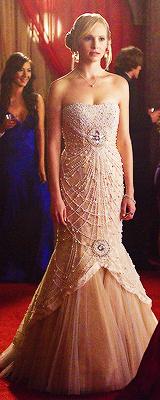 TVD 4.19 prom dresses