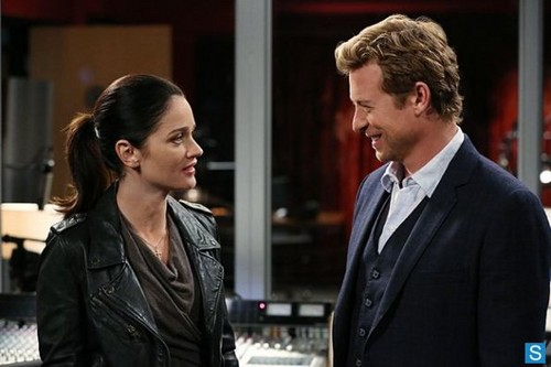 The Mentalist - Episode 5.20 - Red Velvet bolo de copo - Promotional Pictures