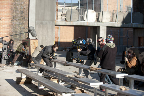 Walking Dead fond d'écran with a lumbermill entitled The Walking Dead - 3x16 - Welcome to the Tombs - Behind the Scenes