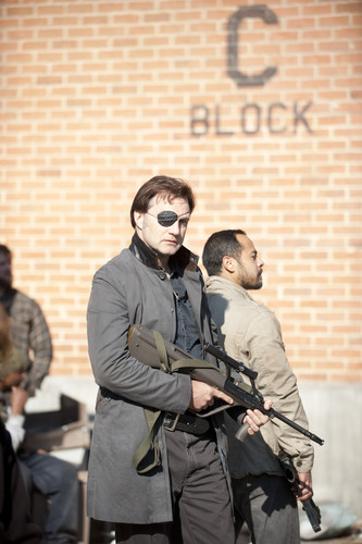 The Walking Dead - 3x16 - Welcome to the Tombs