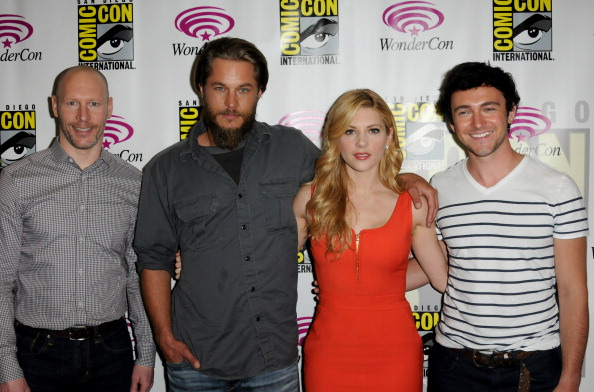 Vikings cast at Comic Con - vikingos (serie de televisión