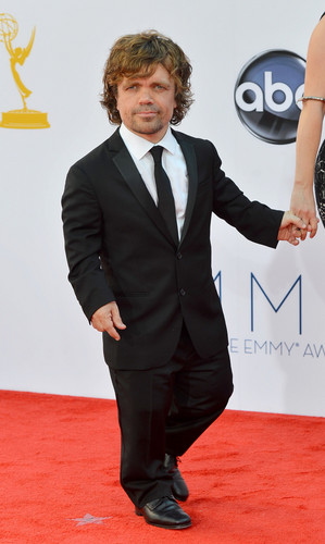 Peter Dinklage Hintergrund with a business suit and a suit called Wow! He's amazing *.*