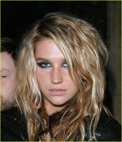 Ke$ha wallpaper containing a portrait called kesha