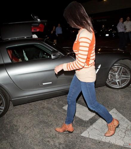 (17/04) Ashley leaving Matsuhisa Restaurant