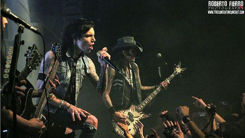 The Dennis WestTower Spot wallpaper containing a concert and a guitarist called <3<3<3<3<3Andy,Ash & Jake<3<3<3<3<3