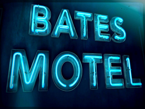 Bates Motel karatasi la kupamba ukuta probably containing a multiplex, a diner, and an atlantic herring titled ★ Bates Motel ☆