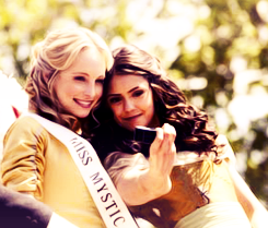 ♦ Nina Dobrev and Candica Accola being adorable ~ behind the scenes of The Vampire Diaries