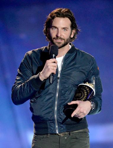 2013 MTV Movie Awards - Zeigen
