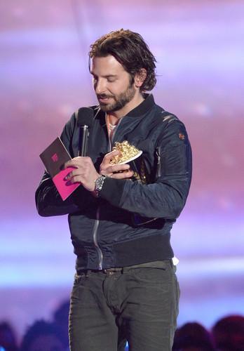 2013 এমটিভি Movie Awards - প্রদর্শনী