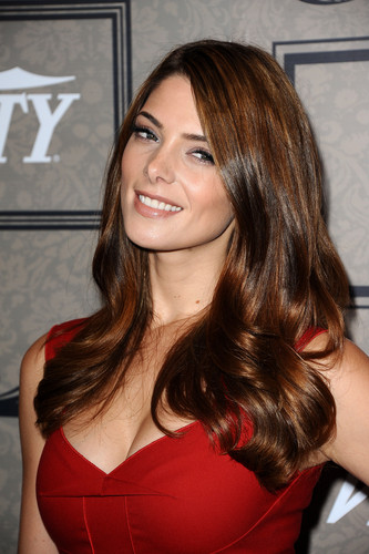 Ashley Greene wallpaper containing a portrait called Ashley