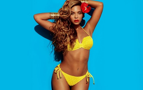 Beyoncé hình nền containing a bikini called Beyoncé H&M