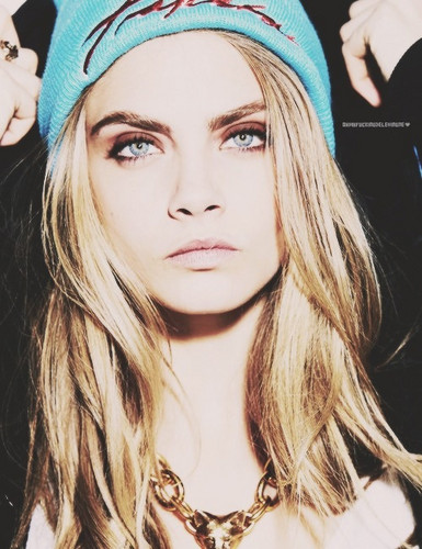 Cara Delevingne वॉलपेपर containing a portrait entitled Cara♥