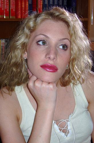 Casey LaBow(Kate Denali)