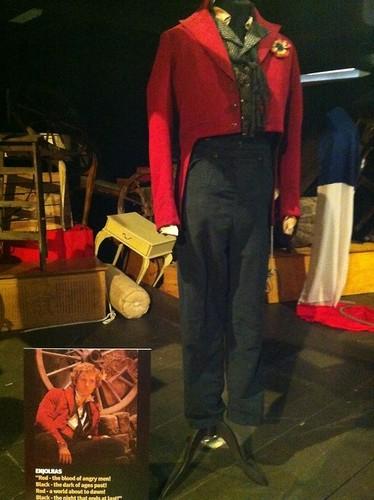 Costume worn سے طرف کی Aaron Tveit as Enjolras, in Les Miserables Movie, 2012