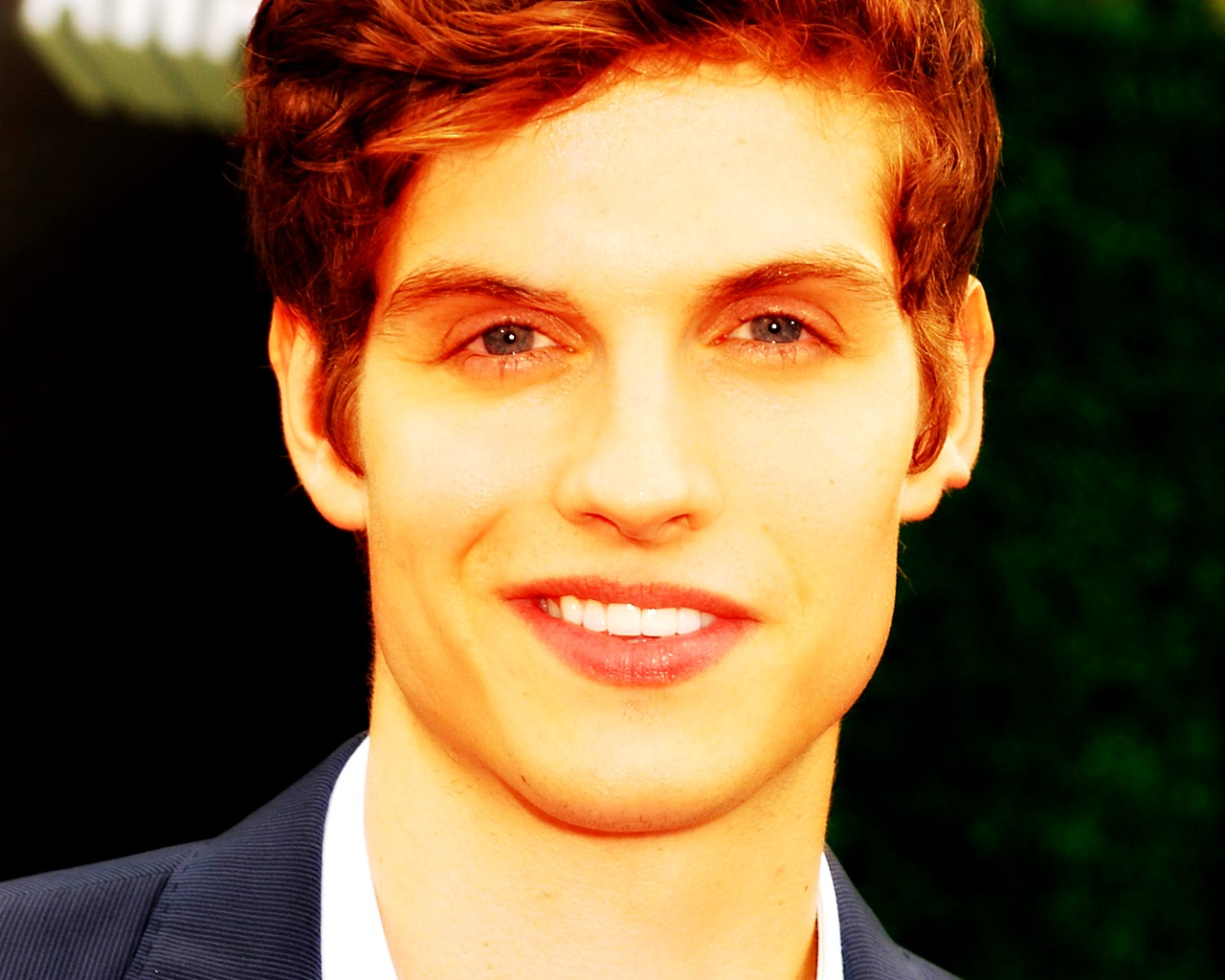 Daniel sharman smile