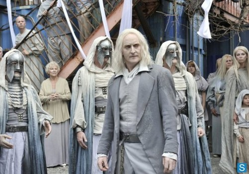 Defiance - Episode 1.02 - Down in the Ground Where the Dead Men Go - Promotional fotografias