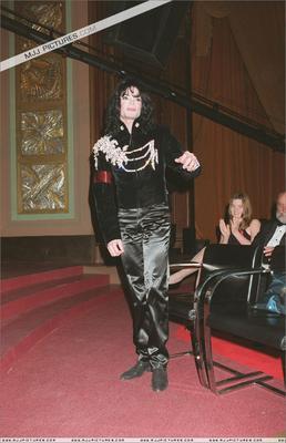 """Elizabeth Taylor's """"65th"""" Birthday Gala Back In 1997"""